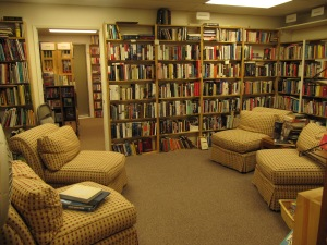 The Bookmark is a very cozy and friendly bookstore in Eagle Point and larger than it appears from the street.