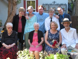 As my dad would say, the whole dam-damly! Back row: me, Edna, Jason, Jayne's sons Hans, and Willie. Front row: Mom, Jayne's mom Betty,  Jayne, and Harry.